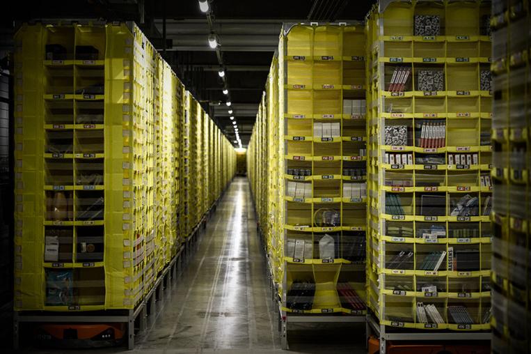 Amazon menace de ne plus distribuer en France