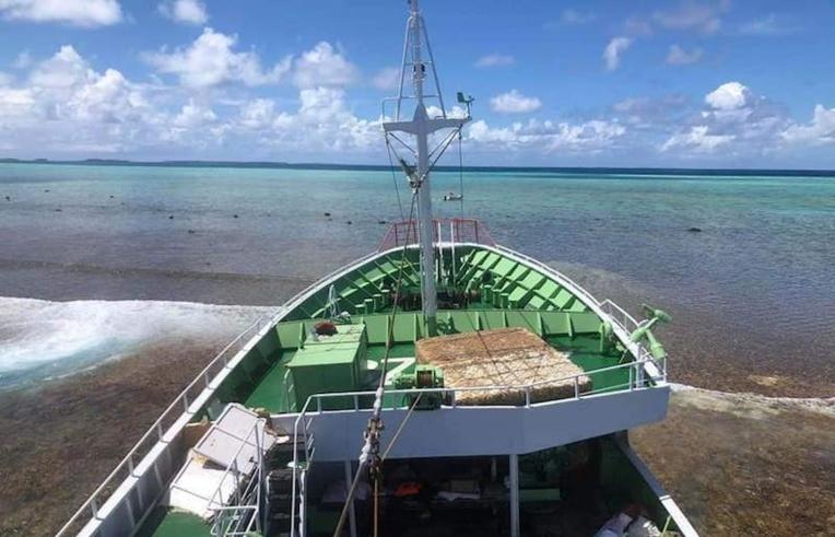 Dépollution du navire chinois échoué à Arutua