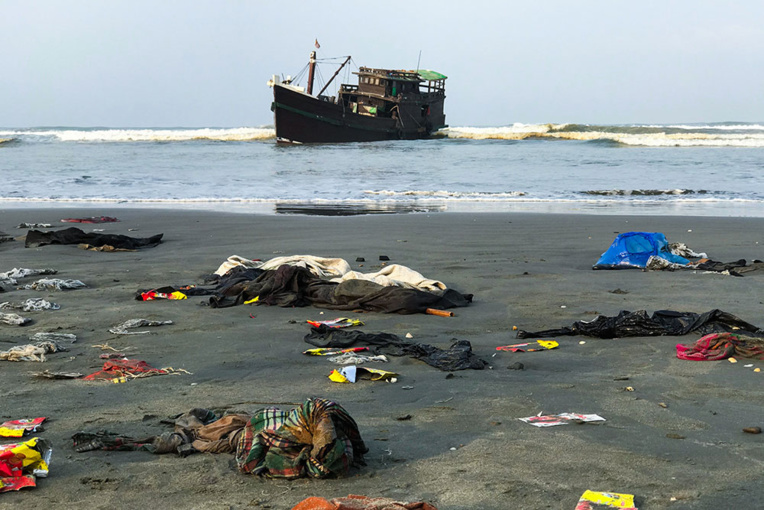 Soixante morts sur un bateau de Rohingyas dérivant dans le golfe du Bengale
