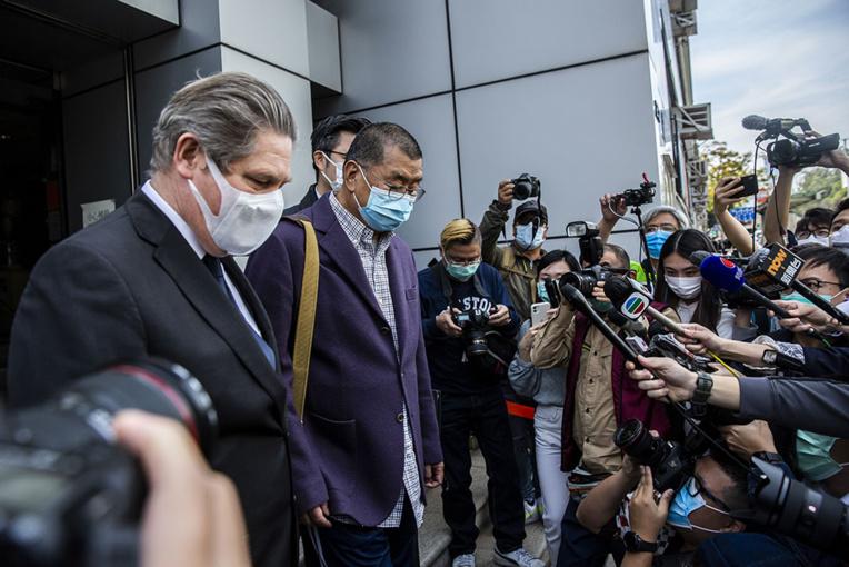 Hong Kong: la police rafle des leaders pro-démocratie pour les manifestations de 2019
