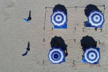 Coronavirus: en Italie, une plage aménagée au banc d'essai
