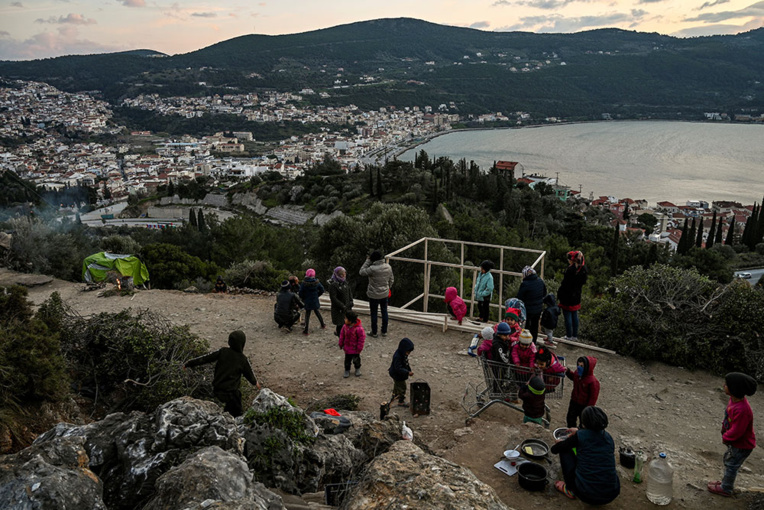 Grèce: incendie dans le camp de Samos, 200 migrants laissés sans abri