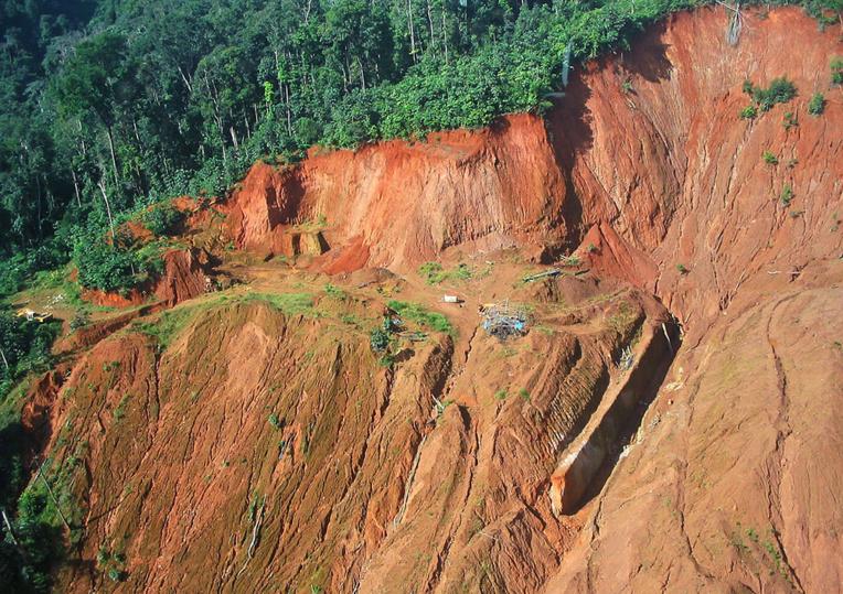 """Un projet """"Montagne d'or"""" bis obtient un vote favorable en Guyane"""