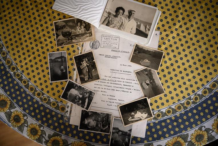 Nés dans les camps de la mort, les derniers survivants de la Shoah