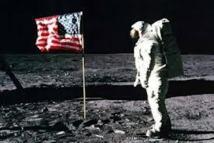 Les drapeaux plantés sur la Lune sont tous encore là, sauf un, selon la Nasa
