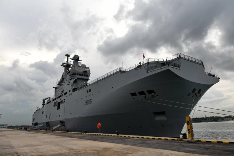Coronavirus: le porte-hélicoptères Dixmude quitte les Antilles en laissant du matériel