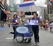 USA: une distribution gratuite de sex-toys attire la foule à New York