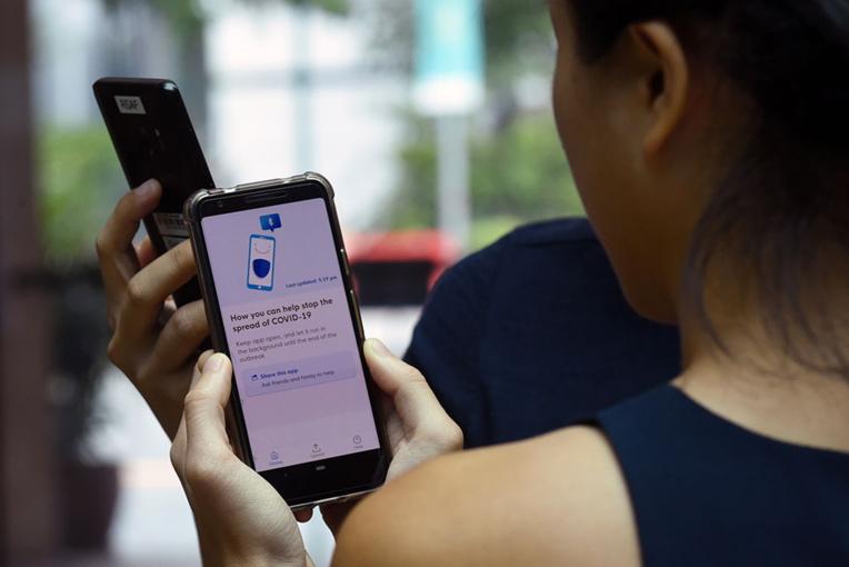 """""""Traçage"""" et virus: la France isolée dans sa volonté d'indépendance face à Google et Apple"""