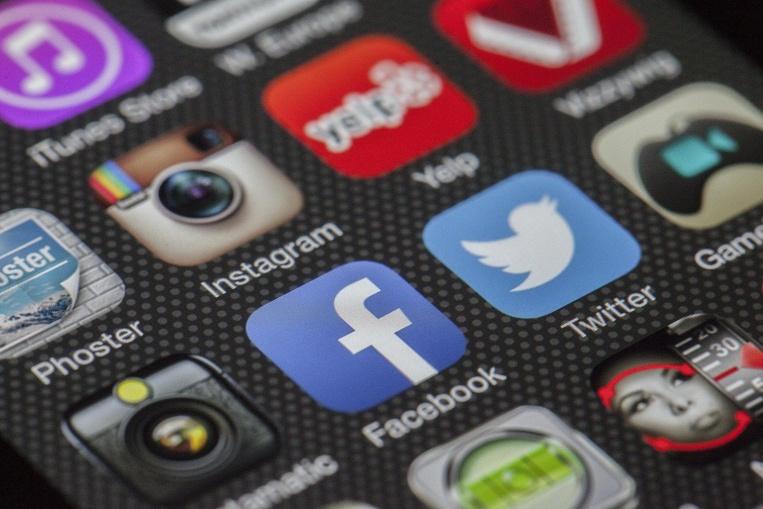 Facebook sort le grand jeu pour les commerçants socialement distancés