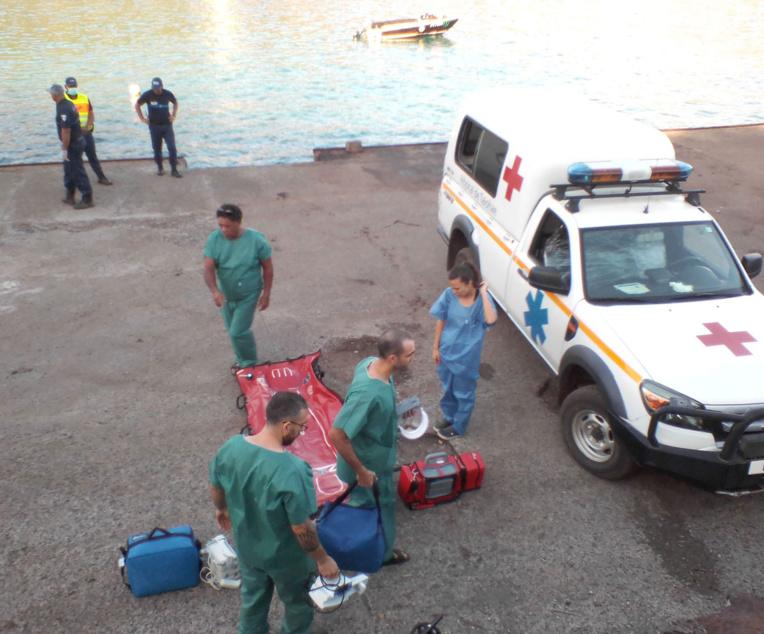 Le marin péruvien évasané, l'équipage présente des signes de Covid-19
