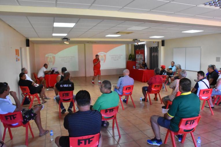 15 clubs de Ligue 1 et de Ligue 2 étaient représentés samedi lors de la réunion de consultation de la Fédération tahitienne de football.