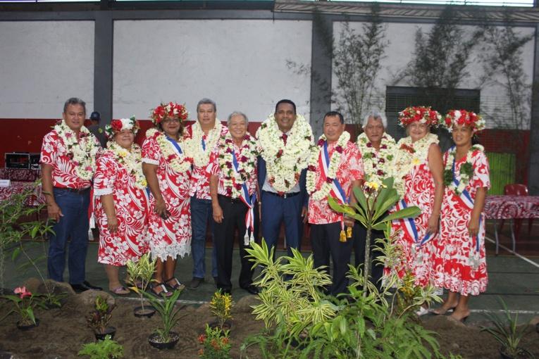 Les dix membres du conseil municipal de Teva i Uta.