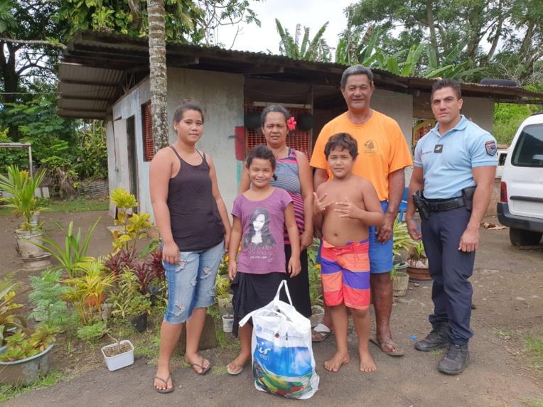 Les gendarmes de Tiarei soutiennent les familles dans le besoin
