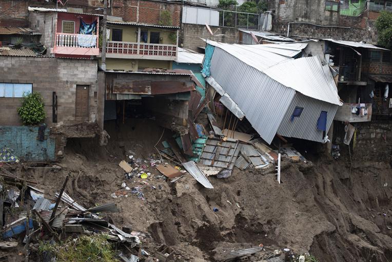 La tempête Amanda fait au moins 18 morts en Amérique centrale