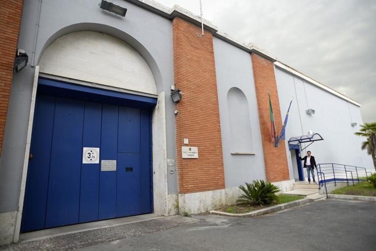 """Italie: """"nous reviendrons"""", promettent deux prisonniers en s'évadant"""
