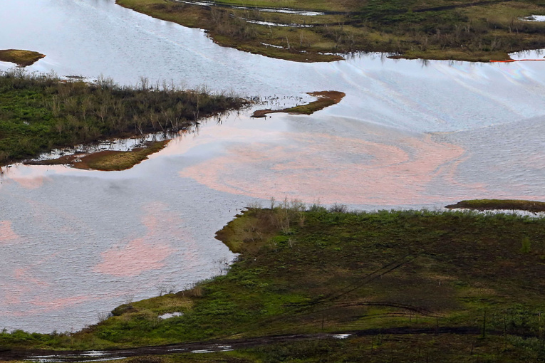 """Pollution dans l'Arctique russe : le nettoyage prendra """"des années"""""""