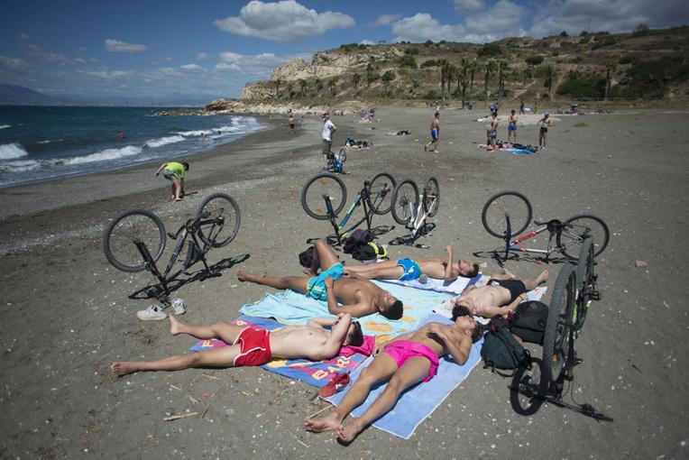 En Europe, un été à la plage après le virus