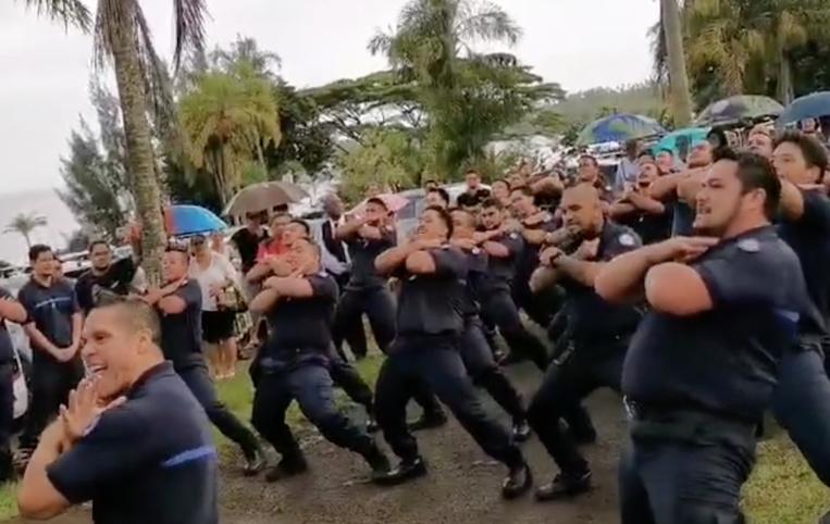L'hommage impressionnant des gardiens de Tatutu à leur collègue décédé