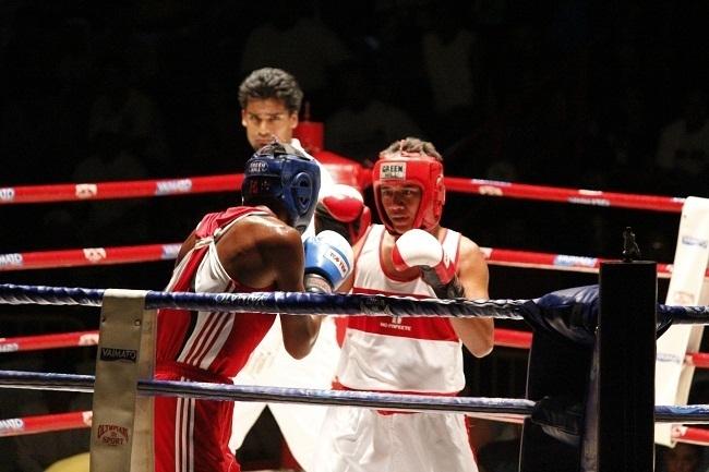 Tetoofa Henere (80kg Cadet) est le champion de Californie 2012.