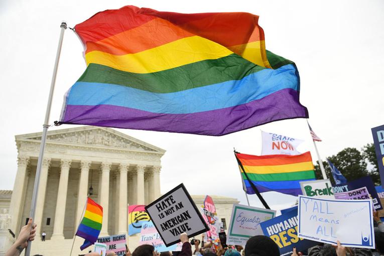 États-Unis: victoire pour les salariés gays et transgenres devant la Cour suprême