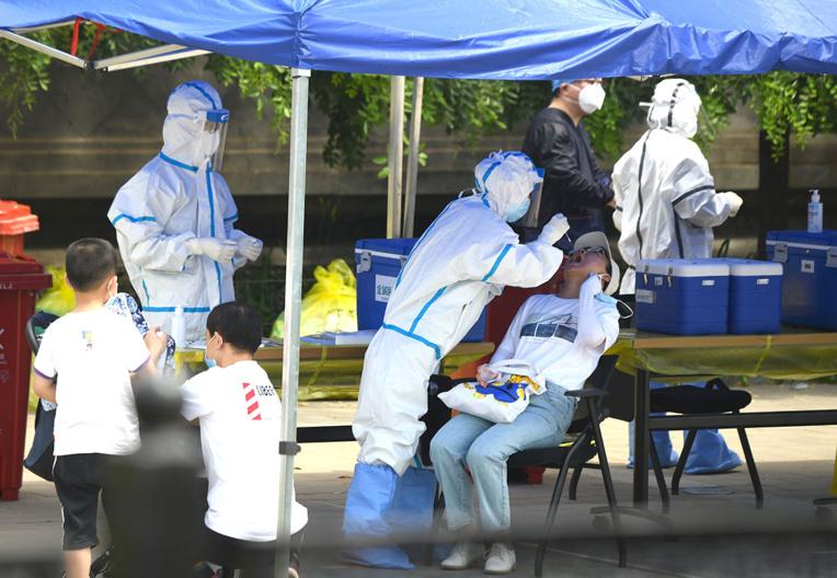 Recrudescence inquiétante du coronavirus chez les géants chinois et indien