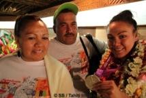 Anne-Caroline Graffe arrive à Tahiti...avec sa médaille olympique