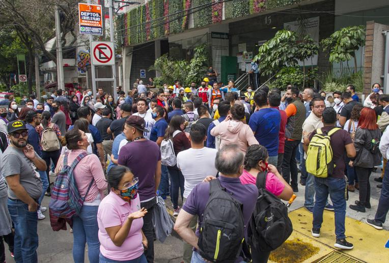 Fort séisme au Mexique aux prises avec le Covid-19