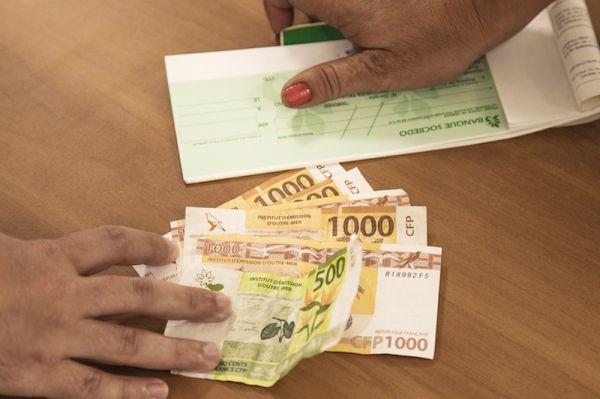 Faibles amendes pour les commerçants-banquiers