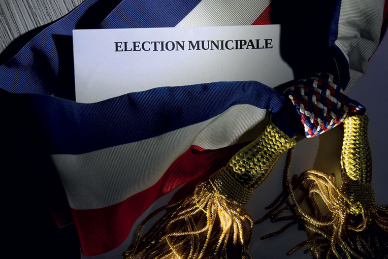 Municipales : Déferlante verte et abstention record en métropole