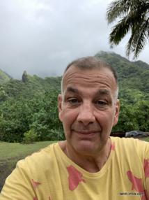 """""""Les Passionnés de Tahiti et ses îles"""" a été créé par Max Bianco, qui réside en métropole. L'autre personne-clé de projet est Jean-Marc Castillo, administrateur de la page et basé en Polynésie."""