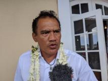 Michel Buillard investi, Tauhiti Nena insiste