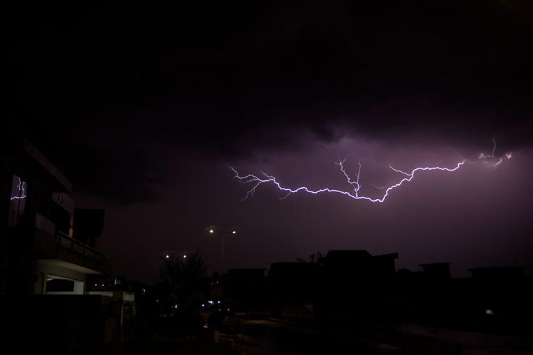 Inde: inquiétude autour du changement climatique après la mort de 147 personnes foudroyées