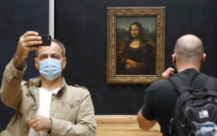 Les visiteurs renouent avec le Louvre, sans la foule