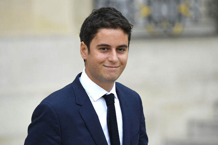 Gabriel Attal, benjamin du gouvernement et fidèle de Macron, nouveau porte-parole