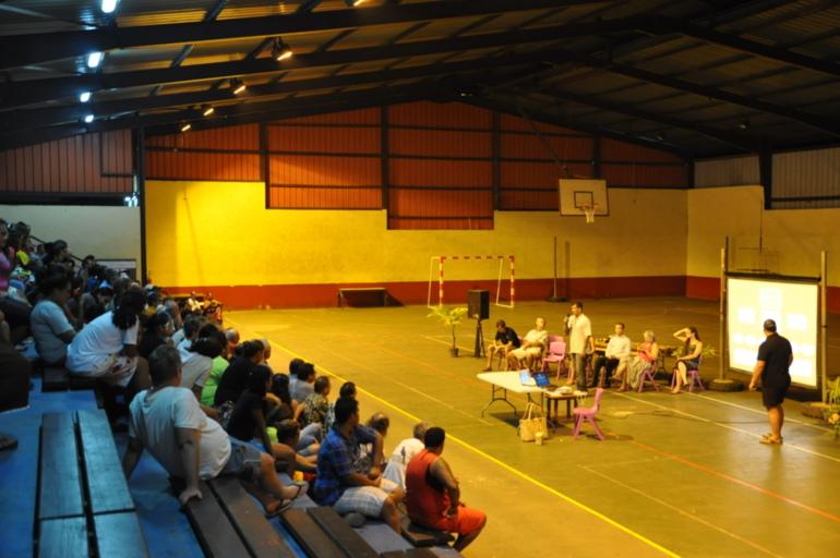 restitution publique des travaux entrepris à Hiva Oa - Débat avec la population.