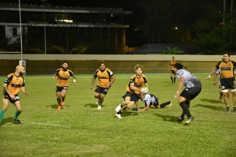 Florent Allegre, ici ballon en main, a été le détonateur pour le Punaauia Rugby Club jeudi soir.