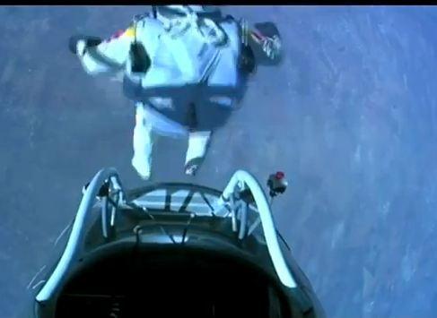 Felix Baumgartner, premier homme à franchir le mur du son en chute libre