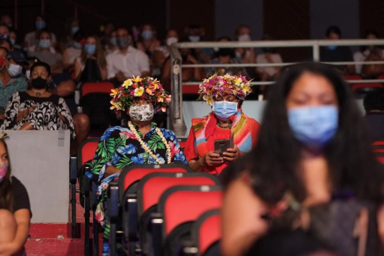 Le masque rendu obligatoire dans les lieux recevant du public
