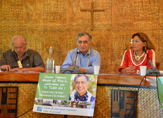 """Oscar Temaru : """"Nous avons eu tort de laisser le tourisme entre les mains de professionnels"""""""