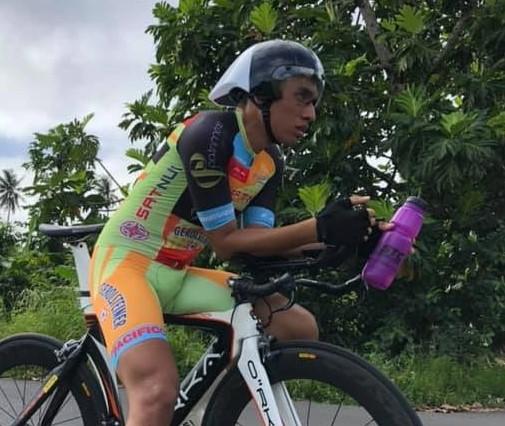 """""""Si un jour quelqu'un m'avait dit que j'allais gagner un CLM individuel, je l'aurais jamais cru"""", a indiqué Kahiri Endeler sur les réseaux sociaux, à la suite de sa victoire."""
