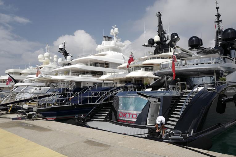 Sur la Côte d'Azur, la guerre aux super-yachts n'aura pas lieu