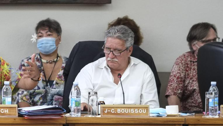Le ministre en charge des transports interinsulaires, Jean-Christophe Bouissou, jeudi à l'assemblée.