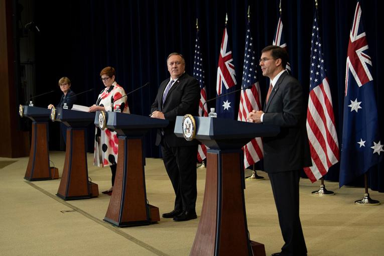 """Les Etats-Unis et l'Australie vantent leur """"alliance indestructible"""" face à la Chine"""