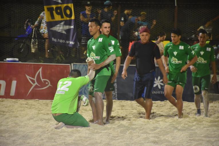 Les Green Warrior ont bien embêté les champions en titre au cours de la rencontre, avant de craquer physiquement dans le dernier tiers-temps.