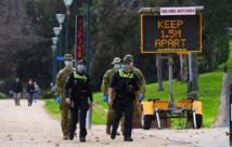 Australie: des centaines d'habitants infectés enfreignent l'ordre de confinement