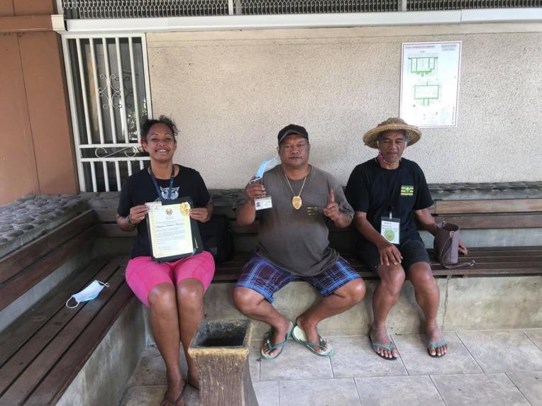 """""""The Polynesian Kingdom of Atooi"""" condamné après avoir revendiqué l'eau céleste de Bora"""