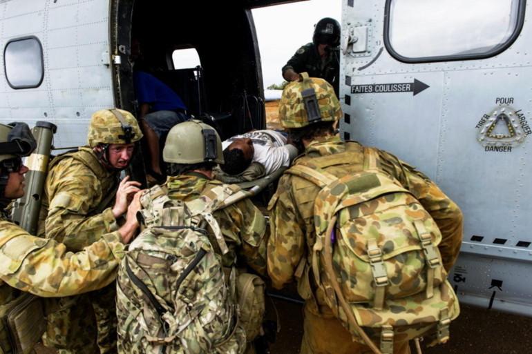 Opération d'évacuation sanitaire au cours des exercices Croix du Sud (Source photo : Ministère français de la défense)