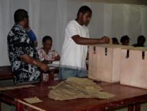 un bureau de vote à Port-Vila