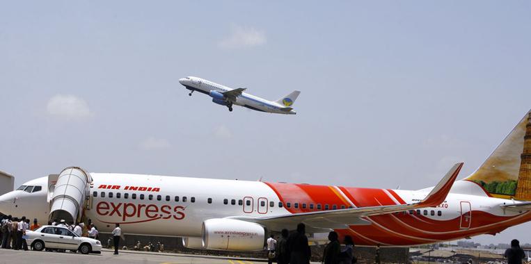 Un avion de ligne sort de la piste dans le sud de l'Inde, au moins deux morts