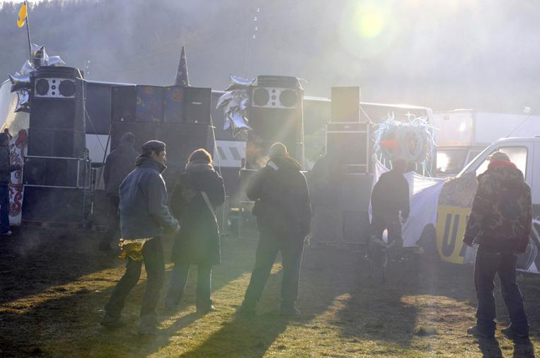 Rave-party en Lozère: départ progressif et sous contrôle des fêtards
